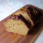 ジュースも皮も使った、砂糖&穀類不使用のオレンジ・ケーキ。オレンジ・オイルも少々使用。